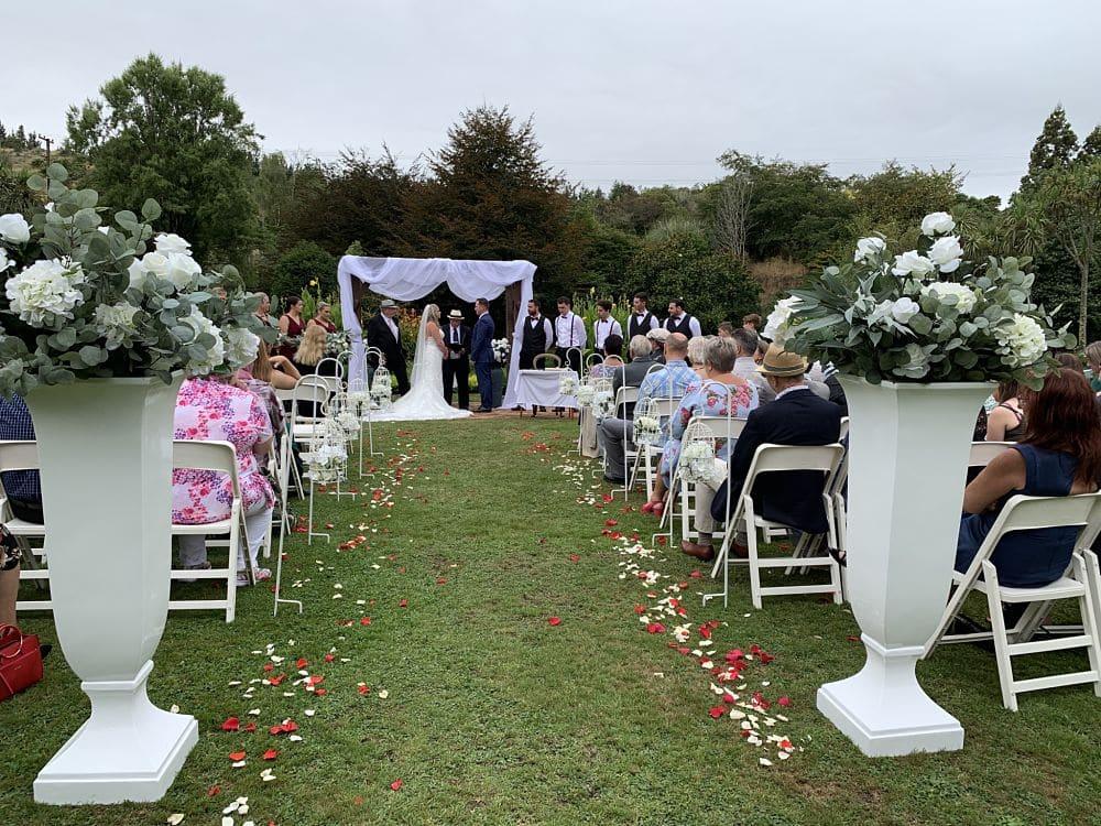 Roseburn Park - Wedding ceremony by the lake
